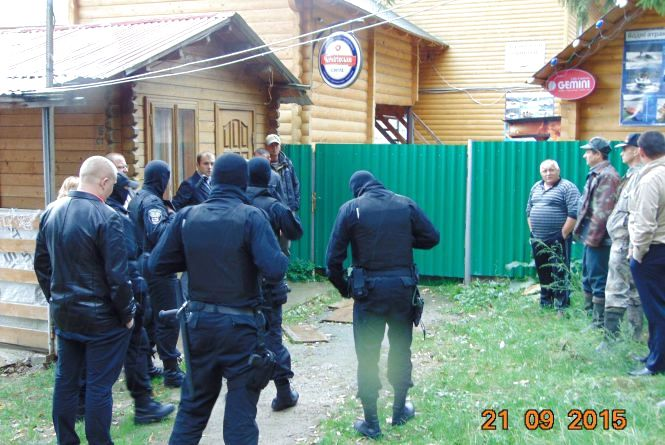 Суд наклав арешт на базу відпочинку у заказнику