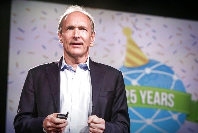 Цей день в історії: 8 червня народився винахідник Інтернету