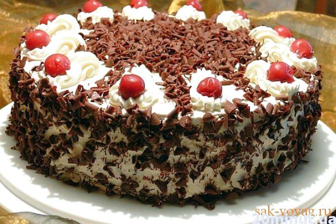 """Новорічне меню: печемо торт """"Чорний ліс"""""""