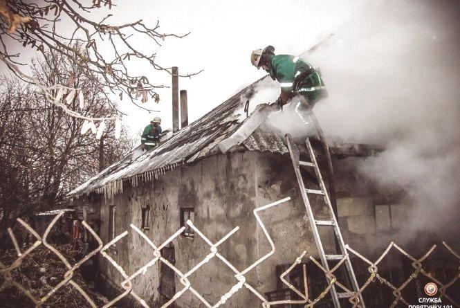 На свята на Тернопіллі горіли два житлові будинки