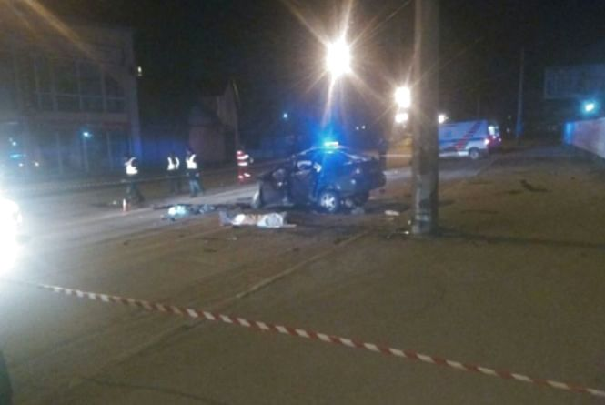 Хлопці з Тернопільщини потрапили в ДТП у Франківську. Один загинув, інший в реанімації