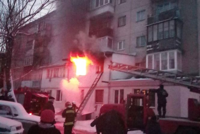Пожежа на Тарнавського. У квартирі зайнялась ялинка (ОНОВЛЕНЕ)