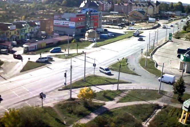 """Тернополянин пропонує удосконалити схему руху на перехресті біля """"Західного ринку"""""""