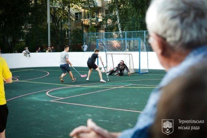 Трьом школам Тернополя влаштують нові спортивні майданчики за 4 мільйони
