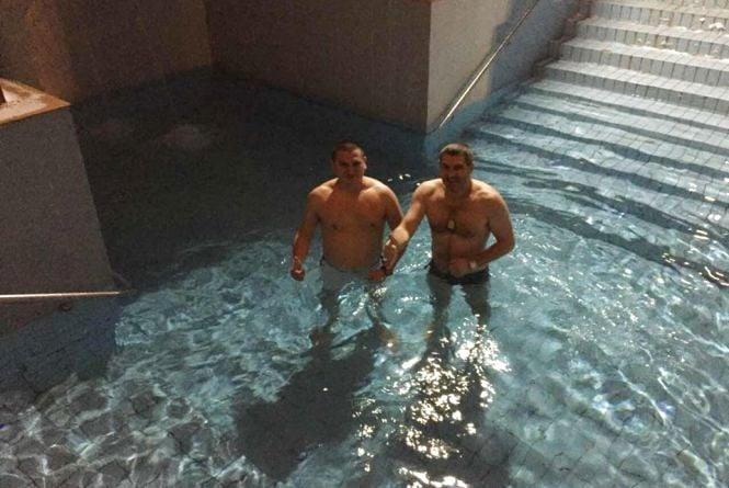 Як тернополяни купаються на Водохреща (ОНОВЛЕНО)