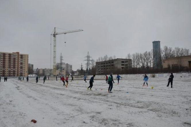 """Тернопільська """"Нива"""" тренується на стадіоні """"Текстерно"""""""