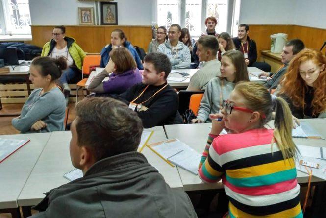 Студентам та учням — про роботу та її пошуки