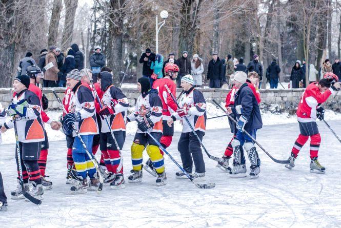"""Хокейний кубок у Тернополі виграли """"Бродівські бобри"""""""