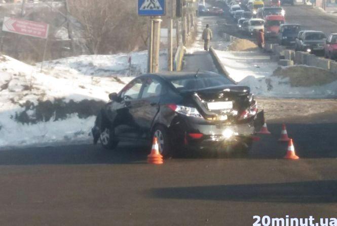 На Гаївському перехресті зіткнулись два Hyundai