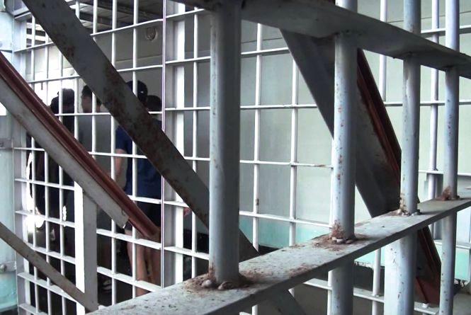 Крадій з Бучача вже місяць в ізоляторі, а слідчі досі знаходять його злочини