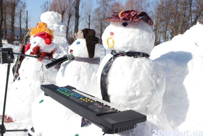 Парк Шевченка захопили снігові музиканти та тварини