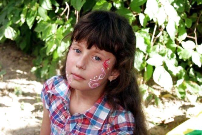 Небайдужі люди допомогли зібрати 57 тис грн на лікування 8-річної Яни