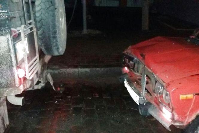 """П'яний водій на """"ВАЗі"""" пошкодив Skoda Octavia та Land Rover"""