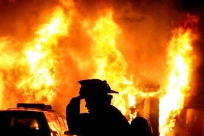 На Тернопільщині вночі під час пожежі згорів чоловік