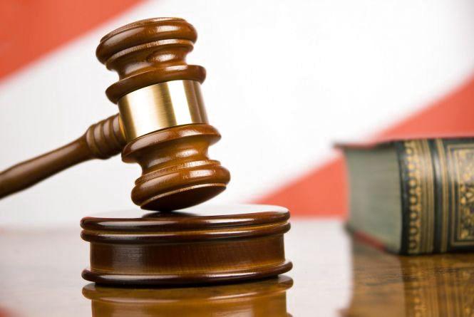 За хабар чиновника засудили до 5 років позбавлення волі