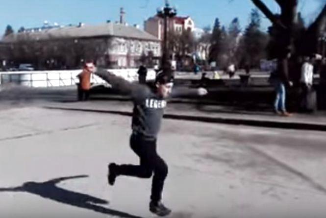 Відео дня: трюки в центрі міста від 18-річного тернополянина