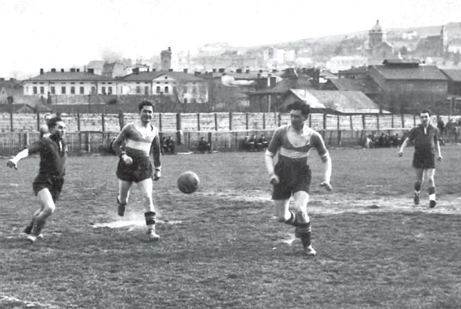 Як на Галичині з'явився футбол: копаний м'яч, дружини та мистецтво