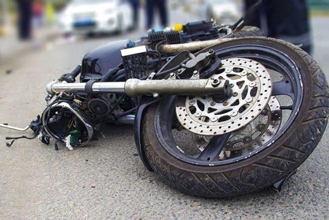П'яний водій на мотоциклі збив пішохода