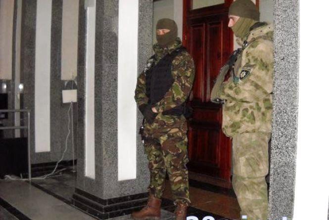 Про результати обшуків у міськраді тернопільська поліція мовчить