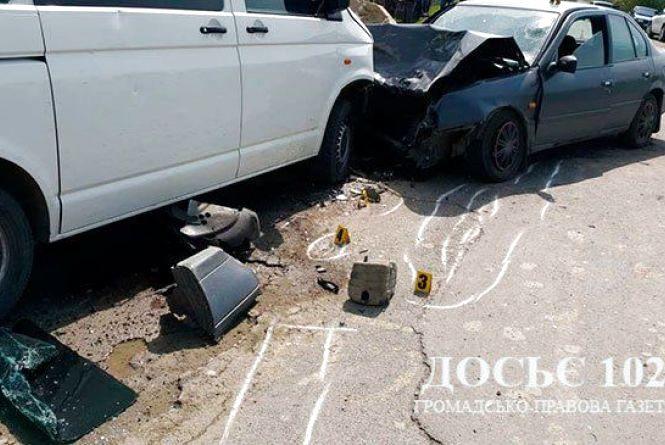 Аварія на Тернопільщині: задрімав водій буса і виїхав на зустрічну смугу