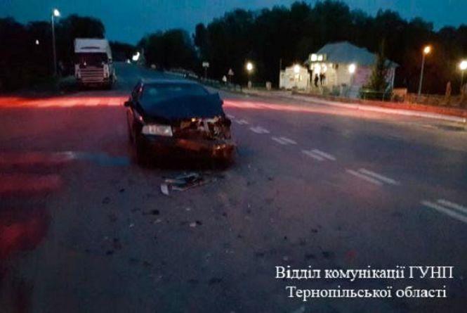 У Смиківцях зіткнулися Skoda та Peugeot. Дві сестри потрапили у лікарню