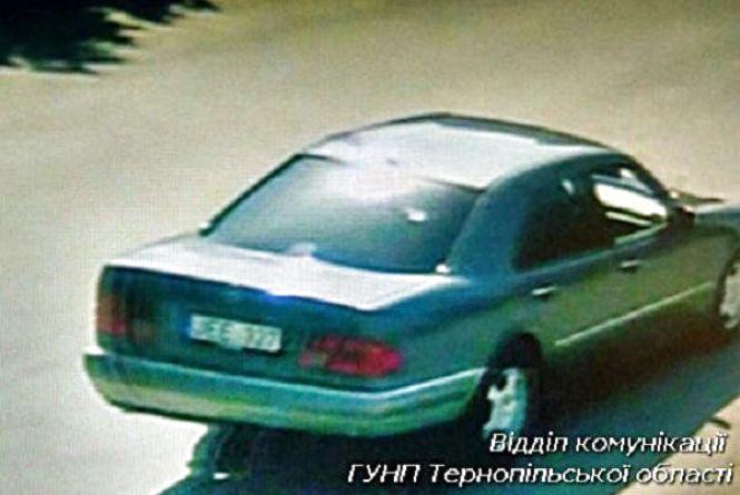 У Борщові шахраї викрали у 80-річної пенсіонерки понад 10 тисяч гривень