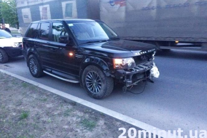 ДТП у Березовиці скоїв син власника автомобіля Range Rover