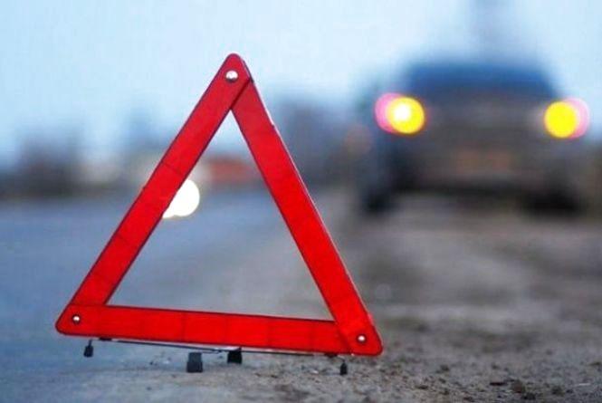 """У Теребовлянському районі """"жигуль"""" протаранив дві іномарки: люди в лікарні"""