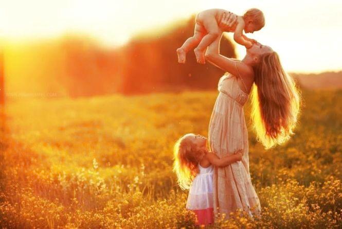 Сьогодні, 14 травня: День матері