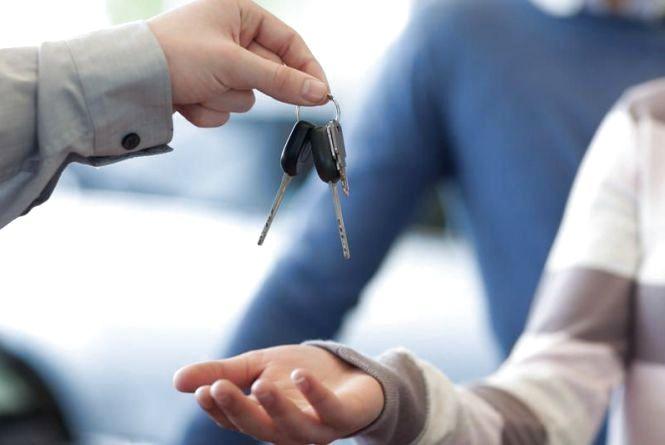 Chery за 18 тис. грн, Toyota - за 45. Де купують посадовці міськради дешеві авто