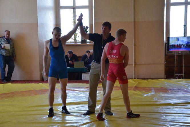 У Тернополі вп'яте відбувається турнір з греко-римської боротьби, пам'яті Євгена Ворка