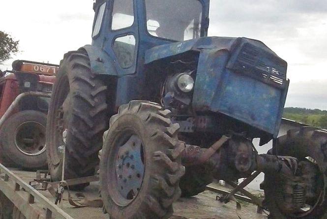 На Тернопільщині хлопці викрали трактор, щоб поїхати на побачення