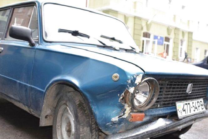 У Тернополі за тиждень зі стоянок викрали два автомобілі