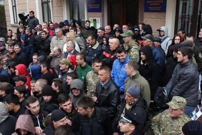 Тернополяни гадають, чи відбудеться чергова сесія міськради (Політичний підсумок)