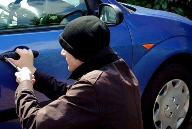 Кожного дня у Тернополі обкрадають автомобілі
