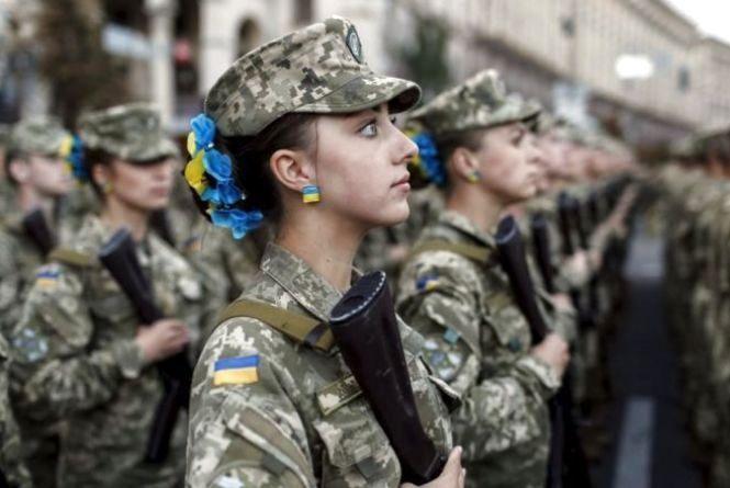 Серед найкращих військових офіцерів області 22-річні дівчата