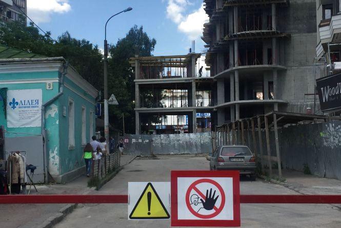 Біля площі Героїв Євромайдану перекриють дорогу ще на місяць
