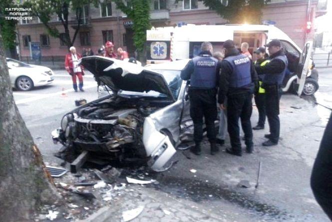 Винуватцем аварії на Руській слідчі назвали водія «швидкої»