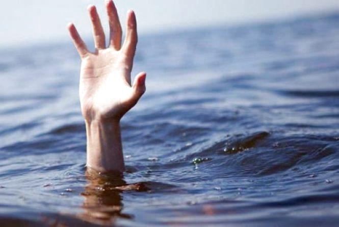 На Тернопільському ставі втопився 38-річний чоловік. Тіло досі шукають