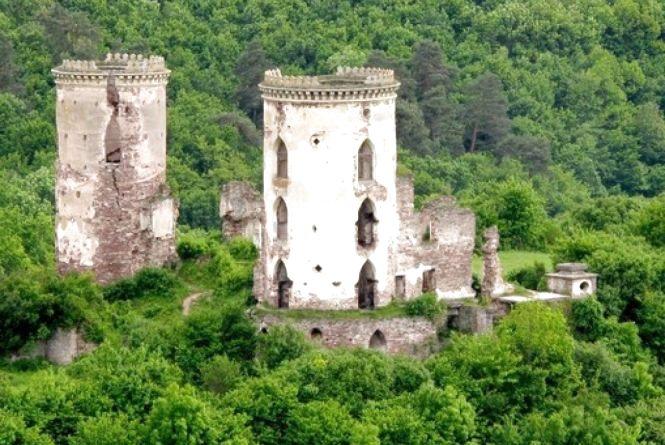 Запрошують на свято Червоногородського замку