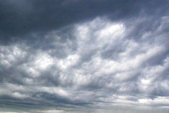 Погода в Тернополі: 15 серпня, дощ і гроза, +20°
