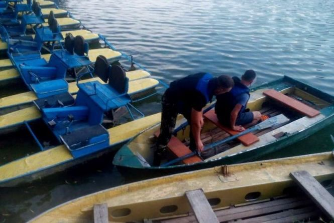 Правоохоронці шукають винних у смерті трирічного хлопчика, який втопився у Касперівцях