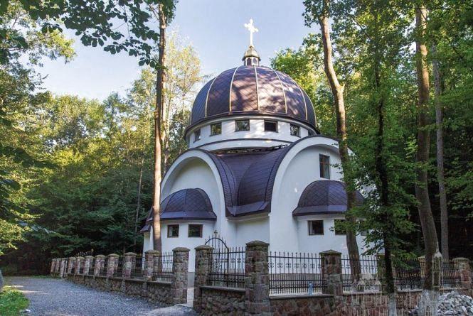 На Успенській прощі у Зарваниці освятять копію Хатини Матері Божої
