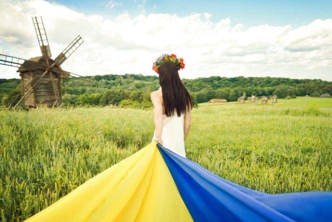 Що побажаєте Україні і самому собі у День Незалежності? (ОПИТУВАННЯ)