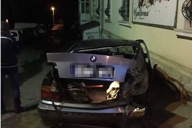 На вихідні сталось чотири аварії за участю чотирьох п'яних водіїв