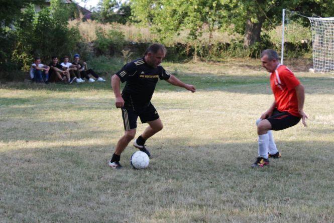 На Тернопільщині стартував футбольний чемпіонат серед ветеранів
