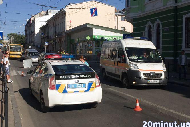 На Руській водій Toyota збив 16-річного хлопця на переході (оновлено)