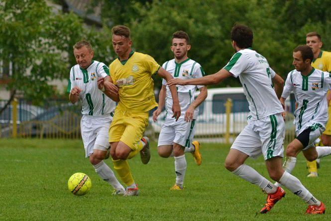 Дві команди з Тернопілля позмагаються за аматорський Кубок з футболу
