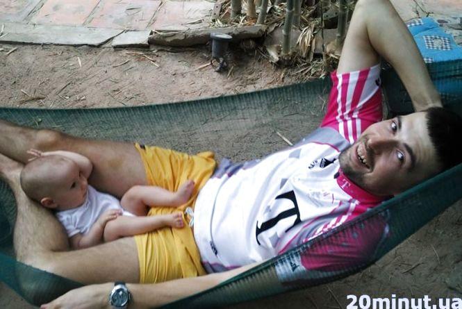 Історії тернополян: у Малайзії діти копають кокос, а в Норвегії сплять на вулиці до мінус 20 градусів