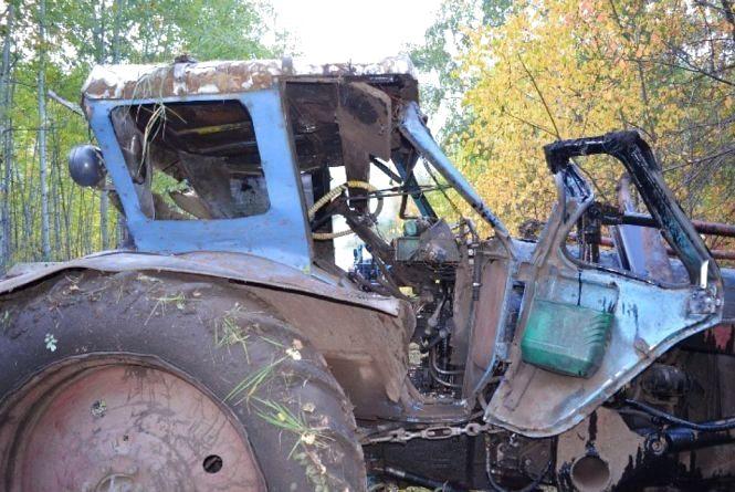 На Тернопільщині трактор злетів із 40-метрової висоти. Одна людина загинула